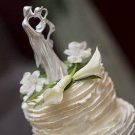 Best Wedding Cakes in Maine From a Wedding Photographers Perspective